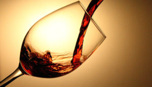 a-glass-of-red-chilean-wine_t20_EPGnaQ